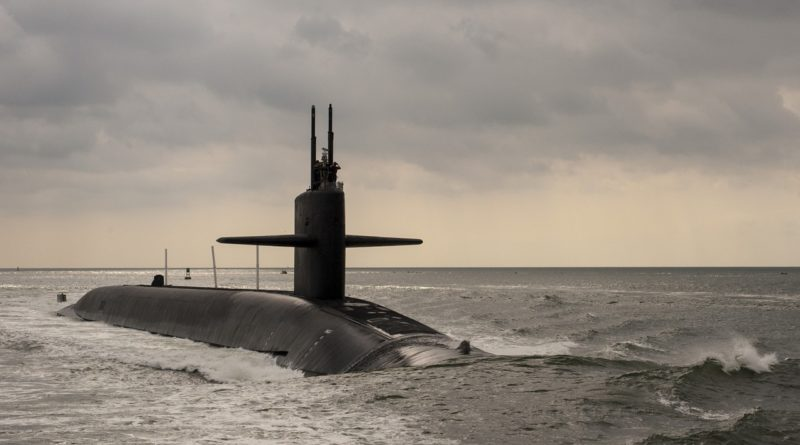 submarine-1107146_1280