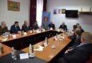Potpredsjednik Vlade i ministar obrane Republike Hrvatske Damir Krstičević na sastanku u Slunju