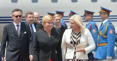 Hrvatska predsjednica ukrala show, Vučić se oduševio kada je predala poklon njegovoj supruzi