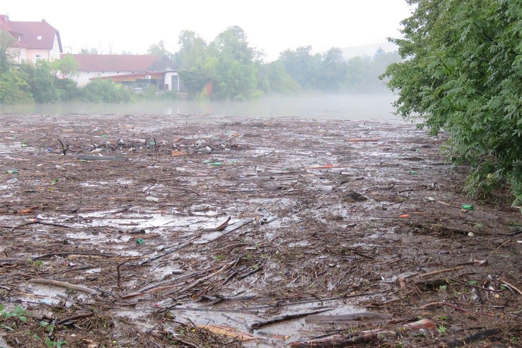 poplava đulin ponor smeće