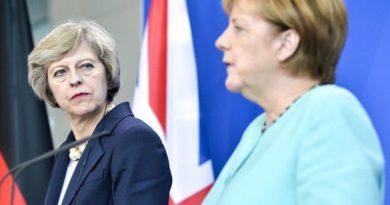 Iznenađena Angela Merkel čekala zatočenu britansku premijerku uoči razgovora o izlasku iz EU