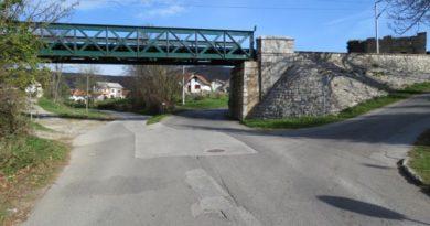 Željeznički most Zagrad ist