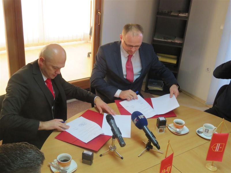 Vojinić i Domitrović potpis ist