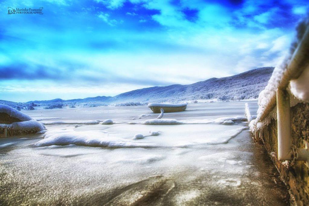jezero zimi