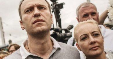 Navaljni se u Berlinu ukrcao u zrakoplov za Rusiju