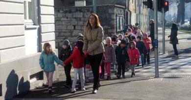 djeca u šetnji ist