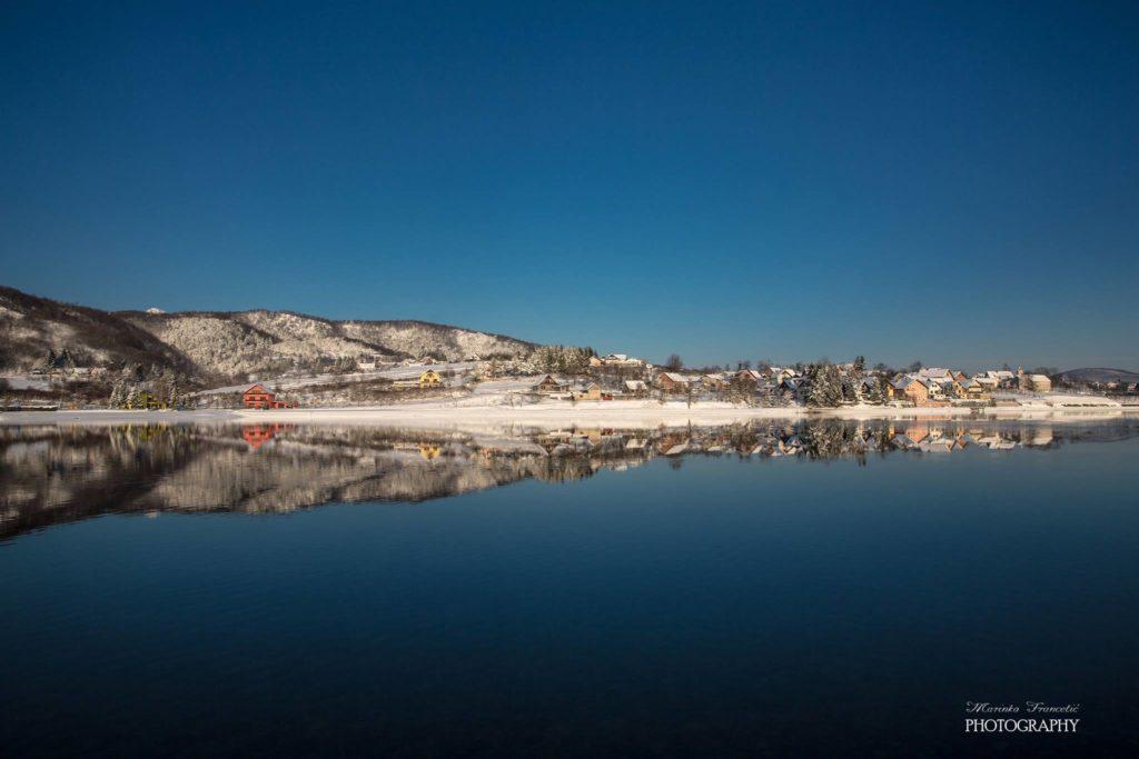 Marinko jezero mraz v