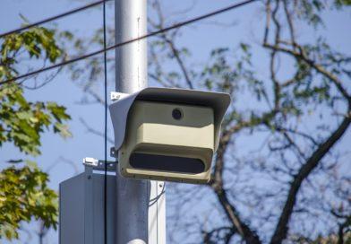 Stižu kamere koje otkrivaju i korištenje mobitela u vožnji!