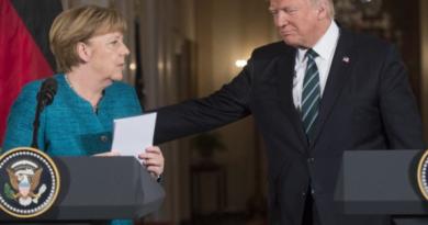 Trump i Merkel pričali o naporima u svrhu suzbijanja pandemije koronavirusa
