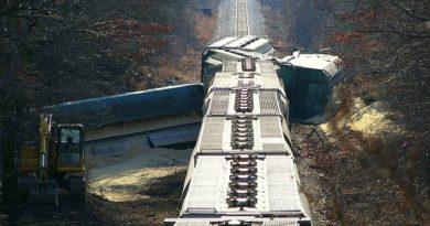 train-crash-396263_1280