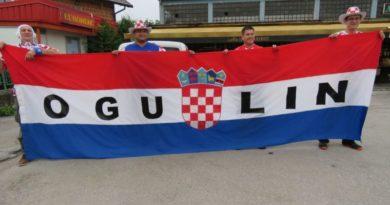 Pogledajte kako je hrvatska zastava od 100 metara razvijena na Trgu pobjede!