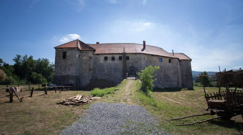 ribnik-dvorac