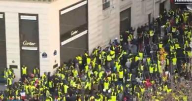 """Tisuće """"žutih prsluka"""" i ovu subote izašle na ulice francuskih gradova"""