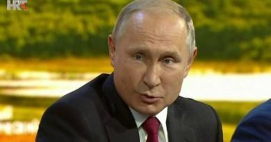 Putin ist 54