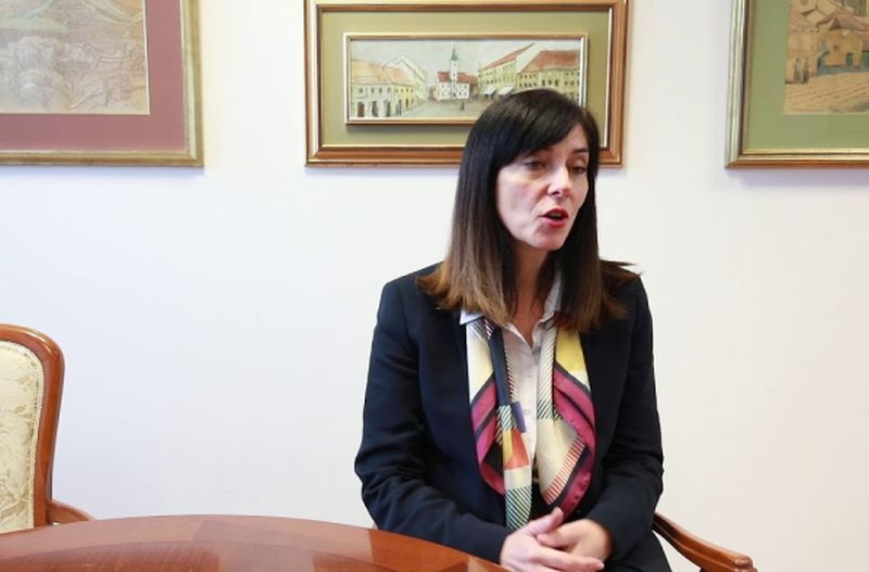 ministrica Divjak ist