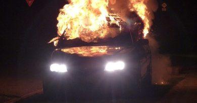 zapaljen auto ist