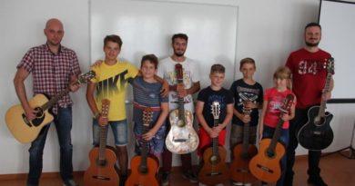 Završila 2. Mala škola moderne gitare
