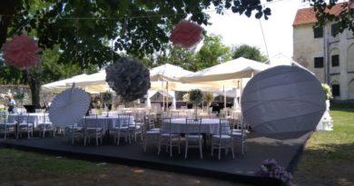 vjenčanje u dvorištu kule ist