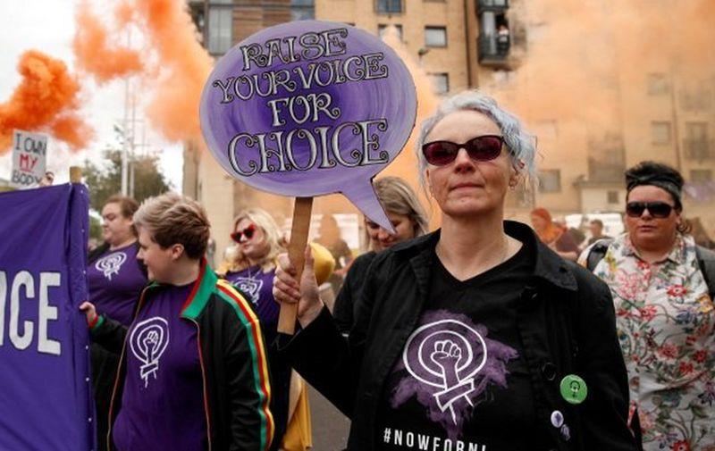 Pravo na pobačaj i istospolni brak legalizirani u Sj. Irskoj