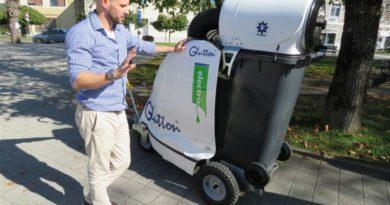 Održana prezentacija nove komunalne opreme – samohodnog uličnog čistača