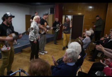Nisu skrivale sreću: Pogledajte kako bakice plešu na Dubiozu