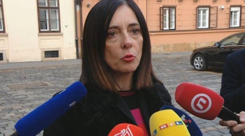 ministrica Divjak 876 ist