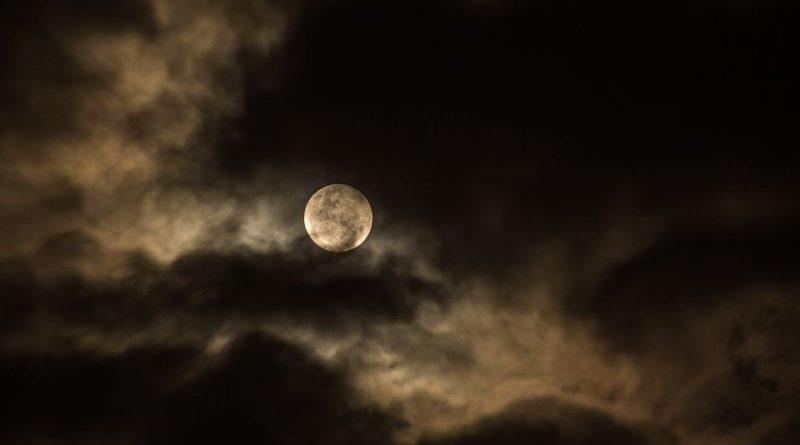 mrak noć ist