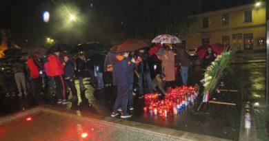 I u Ogulinu zapaljene svijeće u spomen na žrtvu Vukovara