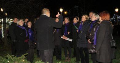Upaljena druga adventska svijeća, uz nastup KUD-a Klek