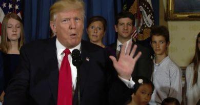Trump je upravo pomilovao Stevea Bannona, bivšeg savjetnika Bijele kuće optuženog za prevaru donatora