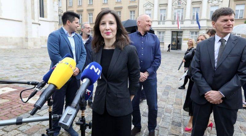 Zagreb: Stranka s Imenom i Prezimenom o aktualnoj političkoj situaciji u Hrvatskoj
