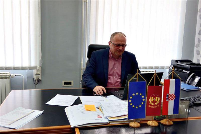 Dalibor-Domitrović-ured-4 ist