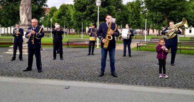 I članovi Puhačkog orkestra pridonijeli slavljeničkom ugođaju