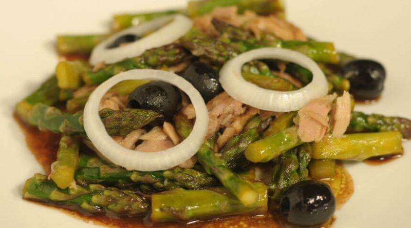 topla-salata-od-sparoga-s-tunom-img
