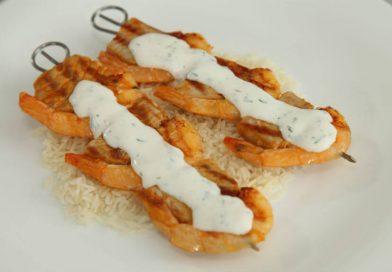 Morski ražnjići s grila s rižom