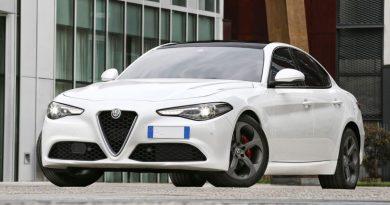 Alfa-Romeo-Giulia-400.000.jpg