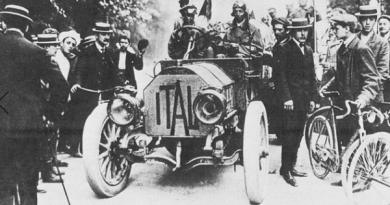 Pekung-Pariz-1907.png