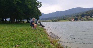 ribiči na jezeru ist
