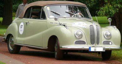 BMW_501_V8_Cabriolet_vr.jpg