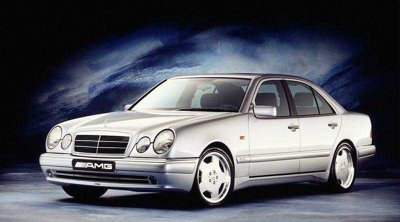 DT-Mercedes-Benz-E50-AMG-2.jpg