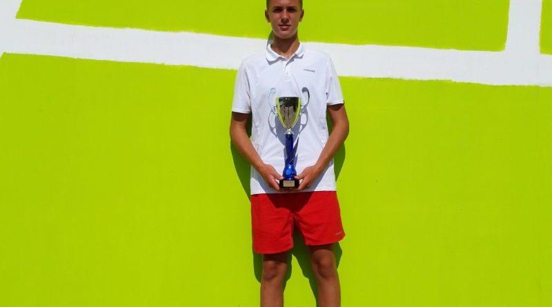 Uspješan teniski vikend – Dorian osvojio Tennis Europe Zadar Open do 14