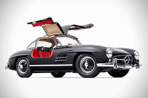 Mercedes-Benz-300-SL-Gullwing.jpg