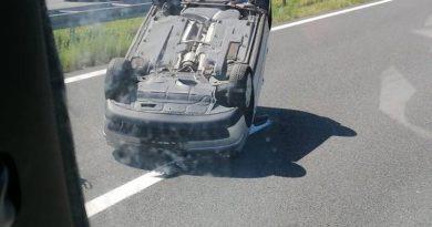 prevrnut auto ist