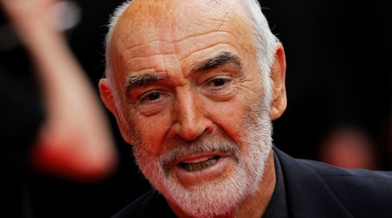 FILE PHOTO: Actor Sean Connery arrives at the Edinburgh International Film Festival