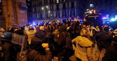 U Napulju prosvjedi protiv mjera karantene