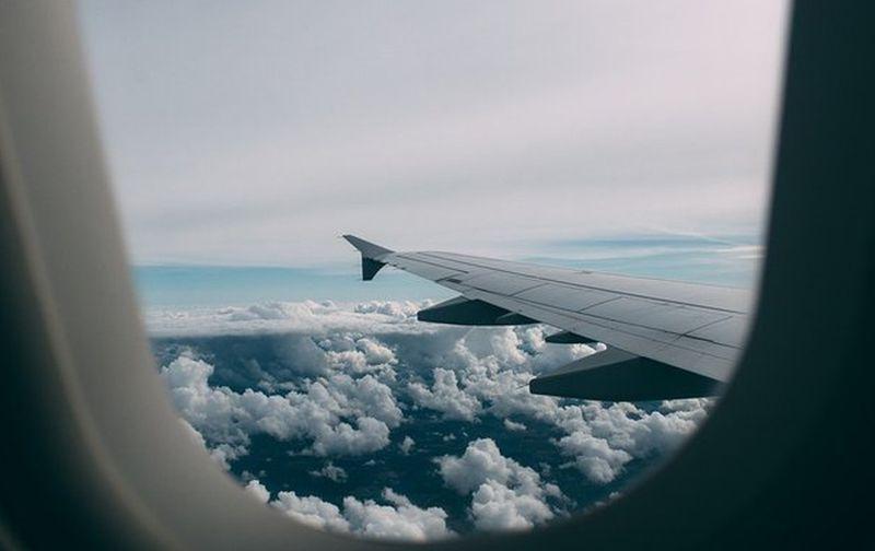 avion krilo prozor ist