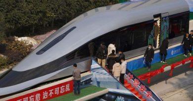 Kinezi predstavili vlak koji juri 620 km/h: 'Levitira iznad pruge, možete ga pomaknuti prstom!'