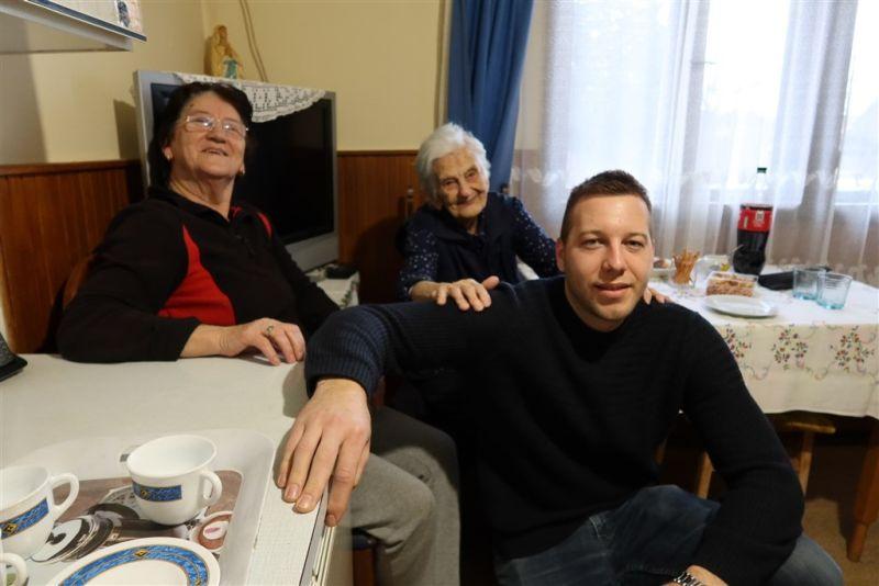 baka Ivka sa obitelji ist